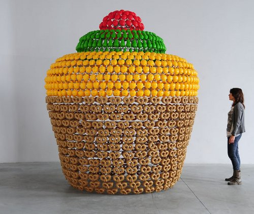 joana vasconcelos fruit cake