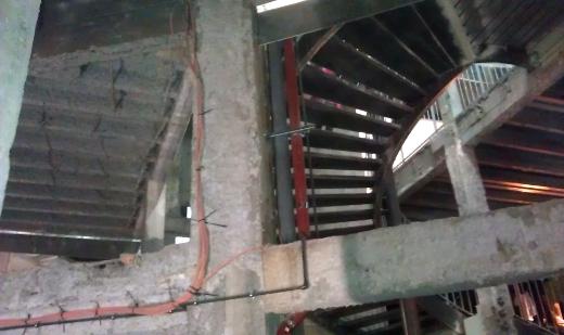 palais de tokyo, paris. inauguration. sous sol en beton